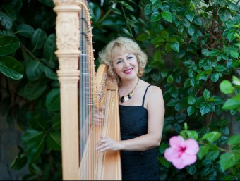 Kobie du Plessis with her harp  Foto:ARCHIVE