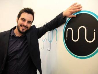 Carles Reixach next to the Eumes logo.
