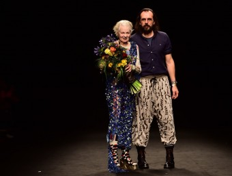 Vivienne Westwood and her husband, designer Andreas Kronthaler, at this year's Milan's men's fashion show.   Foto:AFP/ GIUSEPPE CACACE