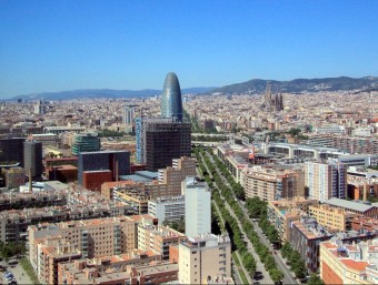 An aerial photo of Barcelona's skyline, with the Diagonal Avenue and the Agbar Tower. /  Foto:ARCHIVE