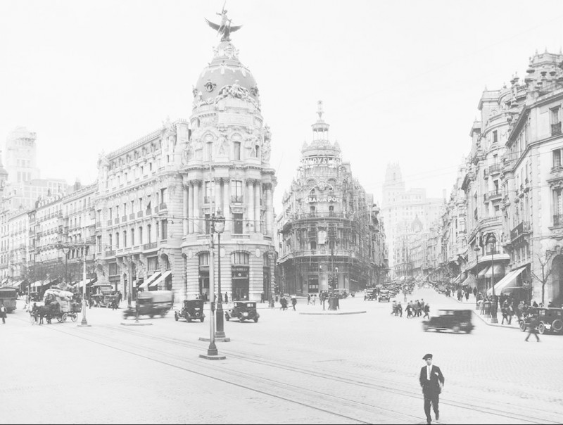 A selection by Caroline Earle White, A Holiday in Spain and Norway (Philadelphia, 1895), pp. 11-16Barcelona's famed Rambla at the beginning of last century.  Foto:PERE GIFRA ARCHIVE