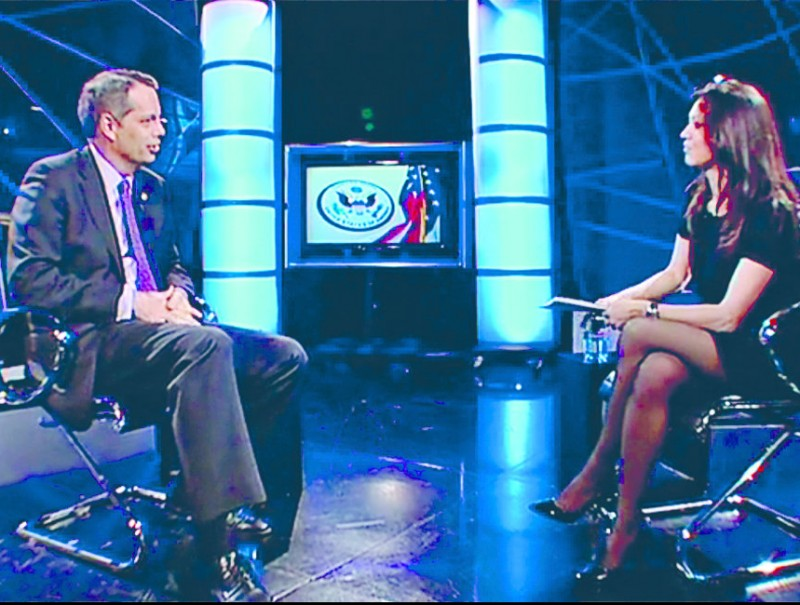 Marcos Mandojana and Marcela Topor on El Punt Avui TV